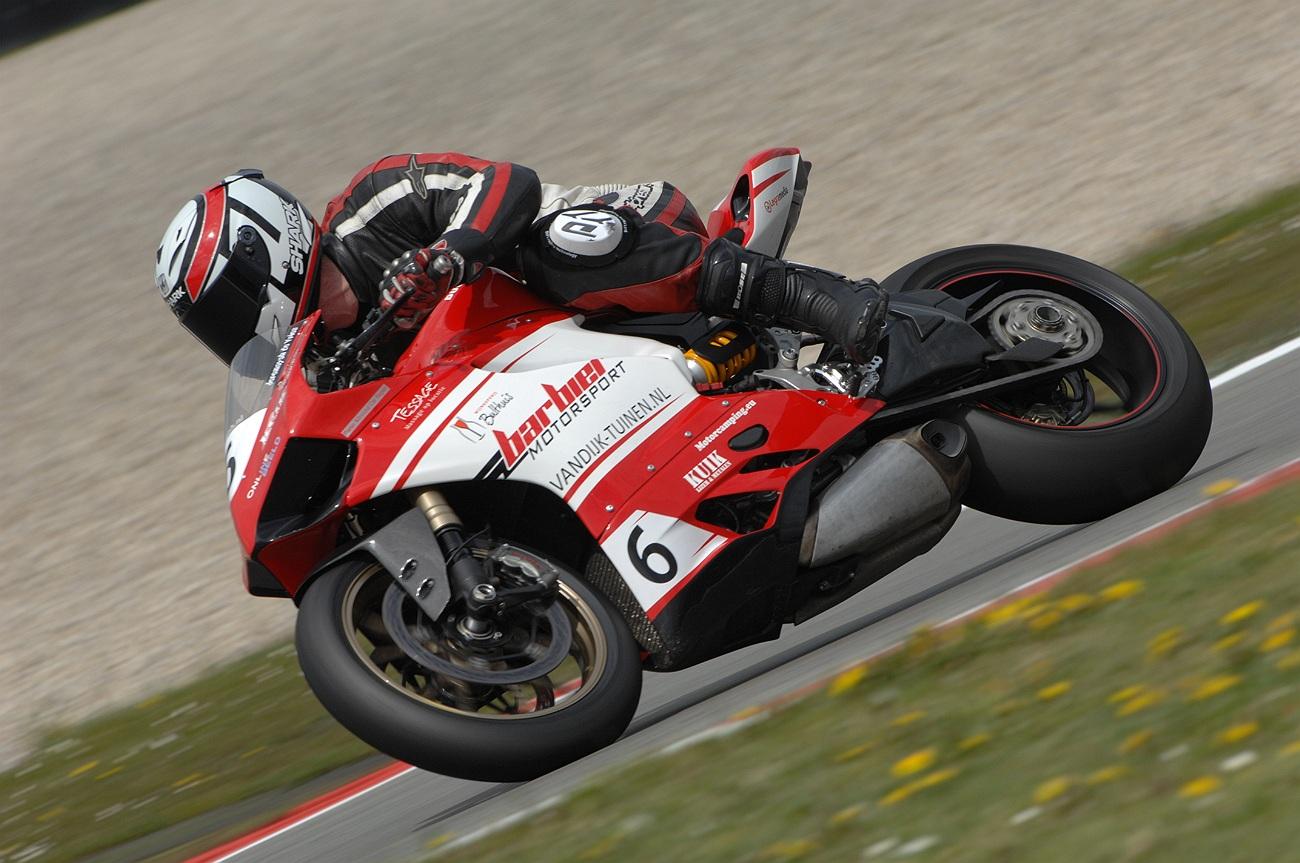 Tessage sponsort motorrijder Jeremayah de Vries